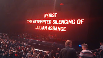 #Free Julian Assange click pic from Roger Waters Berlin Concert
