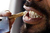Here's How to Wear a Proper Siwak for a Fresh Breath