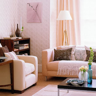 decoración sala rosa y marrón chocolate