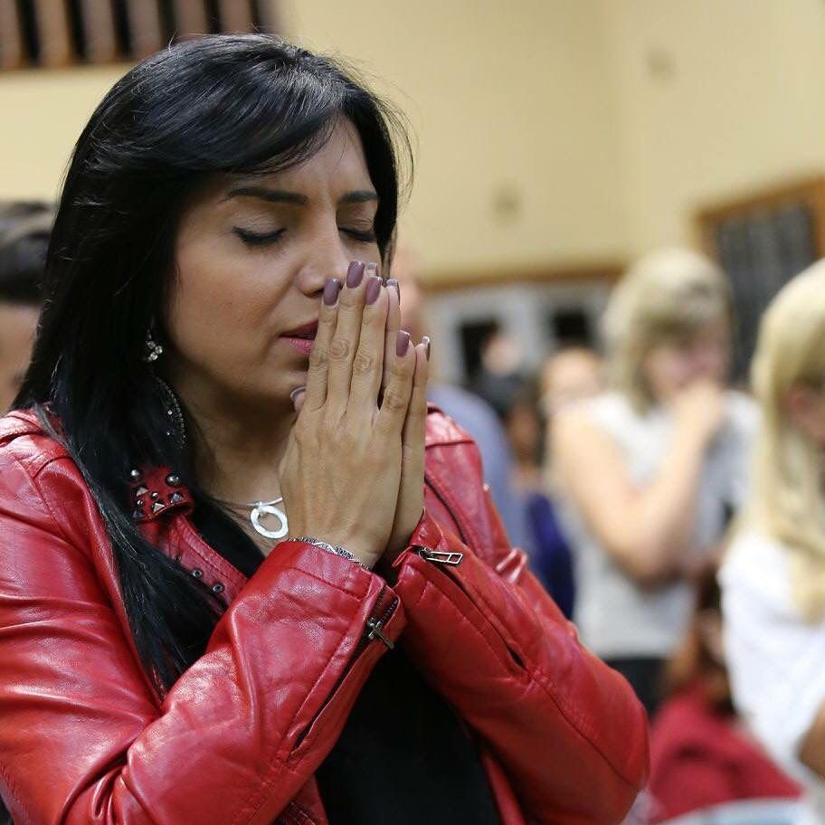 """A Dor Não Mata Se Deus Está Presente eyshila divulga música inédita, """"o milagre sou eu"""""""