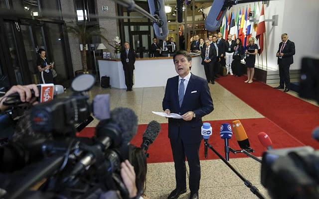 Κόντε κατά Βρυξελλών: Δεν αλλάζουμε ούτε κόμμα στον προϋπολογισμό
