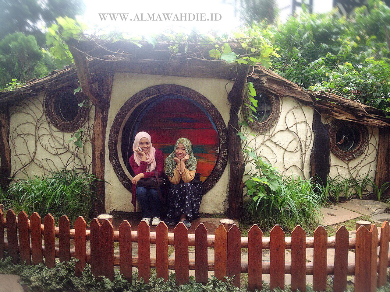 rumah hobbit farm house bandung