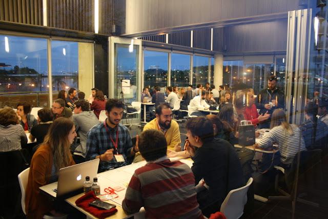 Area de trabajo de los grupos en la II Startup Weekend de Sevilla sobre Gastronomía y Turismo