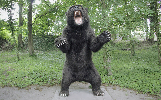 Model 1:1 niedźwiedzia jaskiniowego