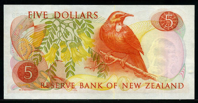 New Zealand currency 5 Dollars banknote