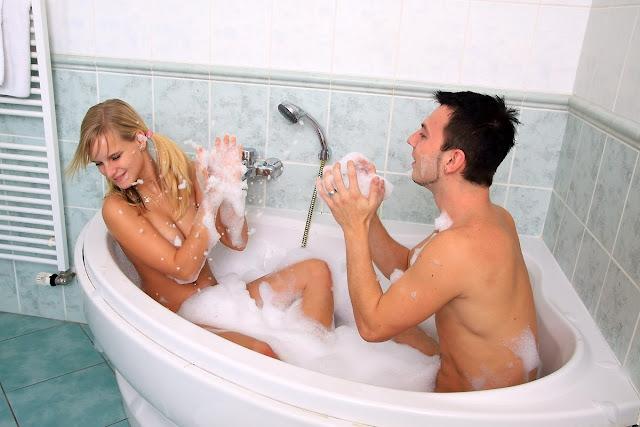 кто хочет потрахаца в горячей ванне если уверены, что