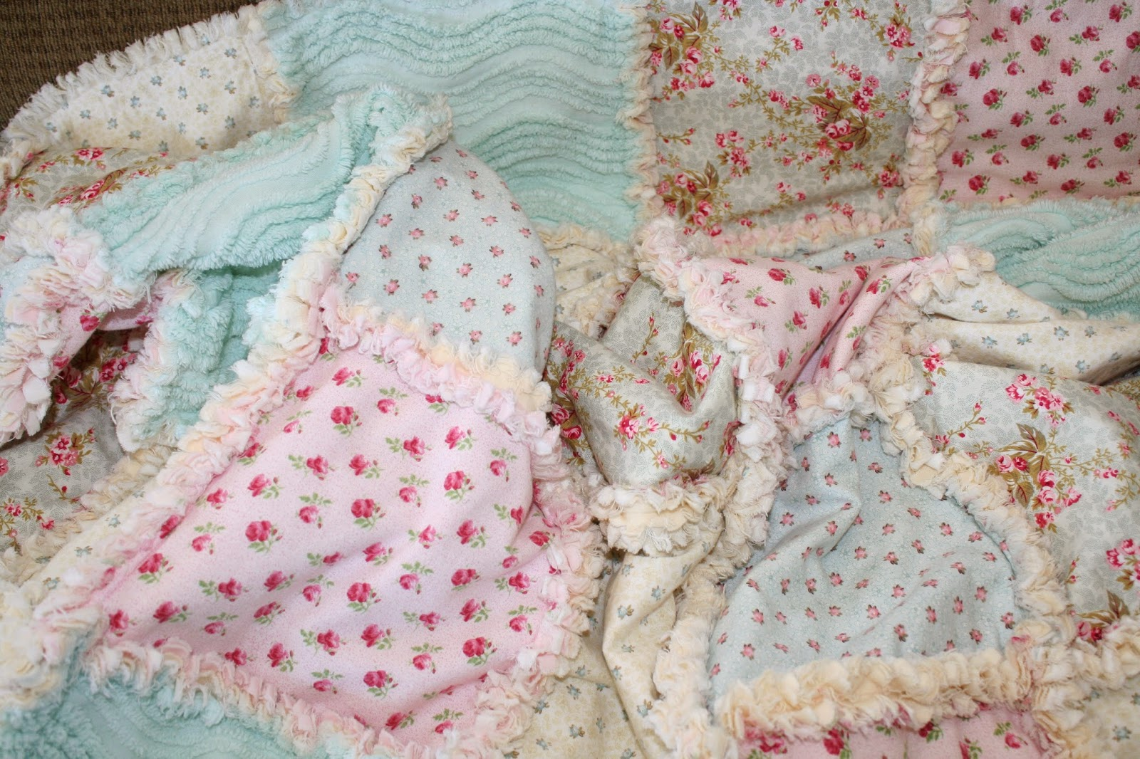 Deerecountry Quilts Shabby Chenille Rag Quilts