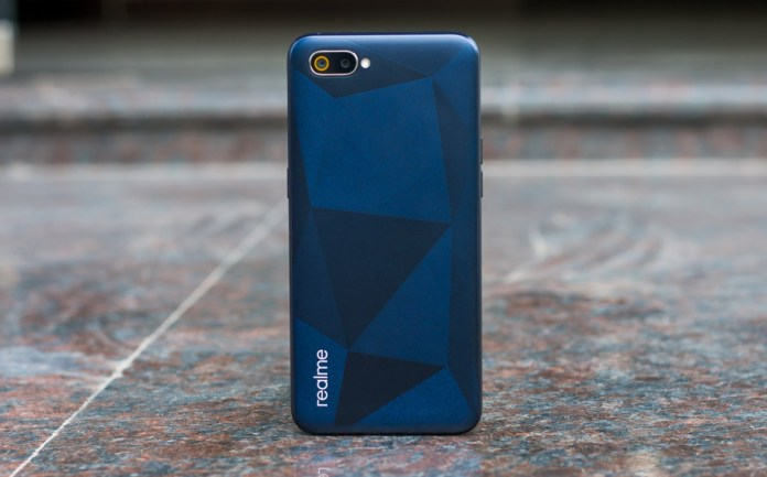 Realme C2 Review: Best Budget Smartphone Under 6000? With Amazing Camera