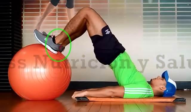 Elevación de cadera con enfoque en músculos demorales