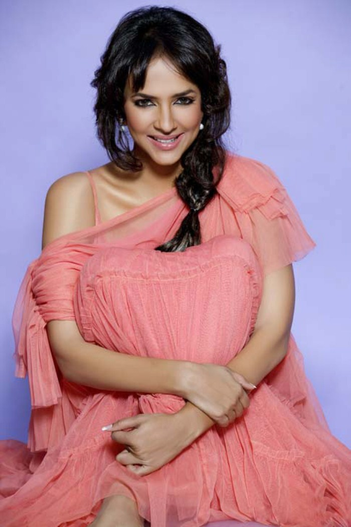 gorgeous hot sexy exotic Manchu lakshmi prasanna photo shoot