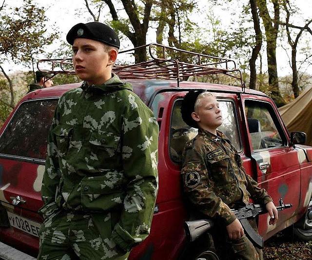 Estudantes da Escola de Cadetes General Yermolov