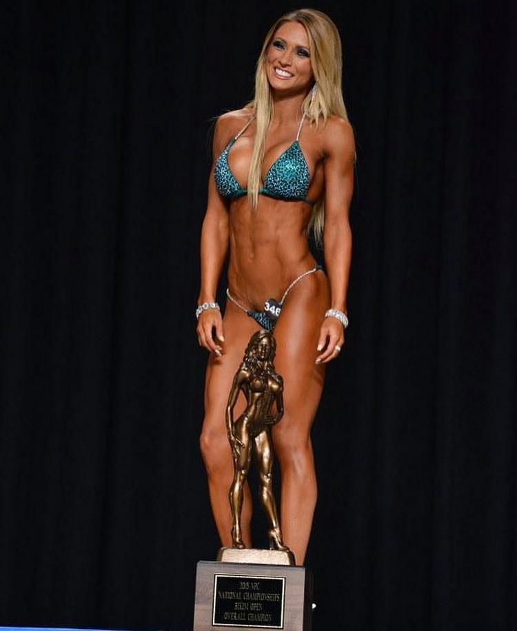 Alyssa Germeroth, female fitness model 00003