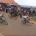 Vídeo de la caída de muchos ciclistas en un peligroso punto sin señalizar