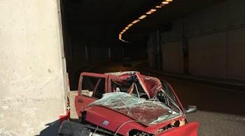 e5ae4c1a56d9 Τραγωδία στην Αττική Οδό  Αυτοκίνητο προσέκρουσε σε τοίχο-Σκοτώθηκε η  οδηγός (photos)