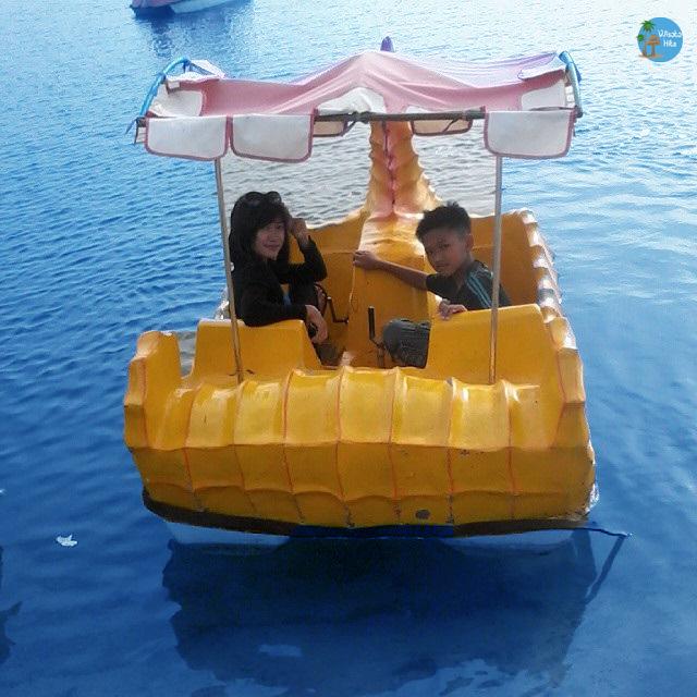 Perahu Bebek Pantai Blebak