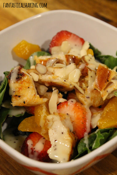 Strawberry Almond Chicken Salad #maindish #salad #chicken #FantasticalFoodFight