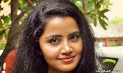 Anupama Parameswaran kodi stills