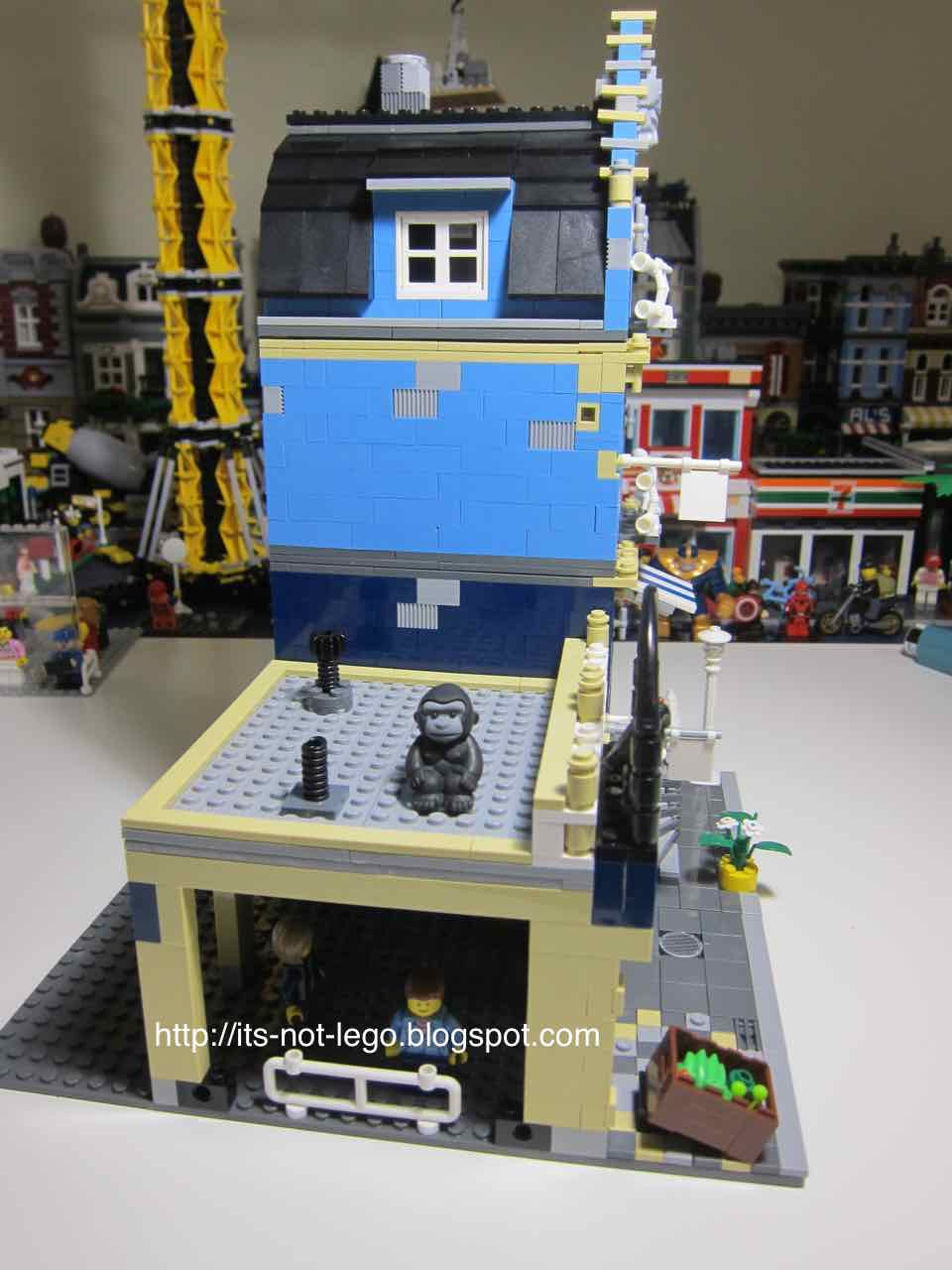 It S Not Lego Lepin 15007 Market Street Modular Building