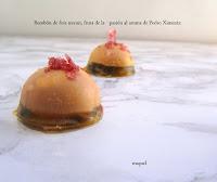 Bombón de foie micuit, fruta de la pasión al aroma de Pedro Ximénez