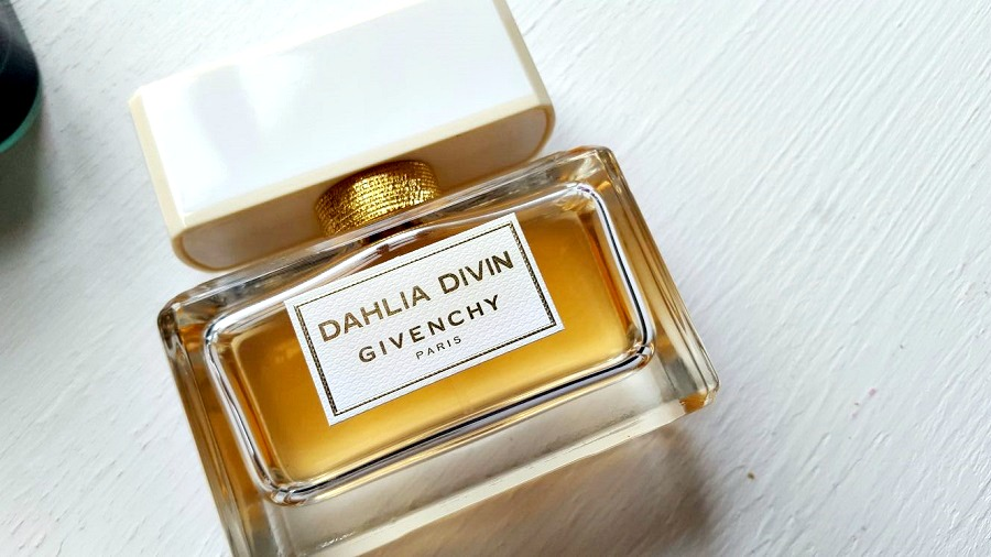 Winter Fragrances, Dahlia Divin, Christmas Gift Guide, Gifts for Her, The Style Guide Blog