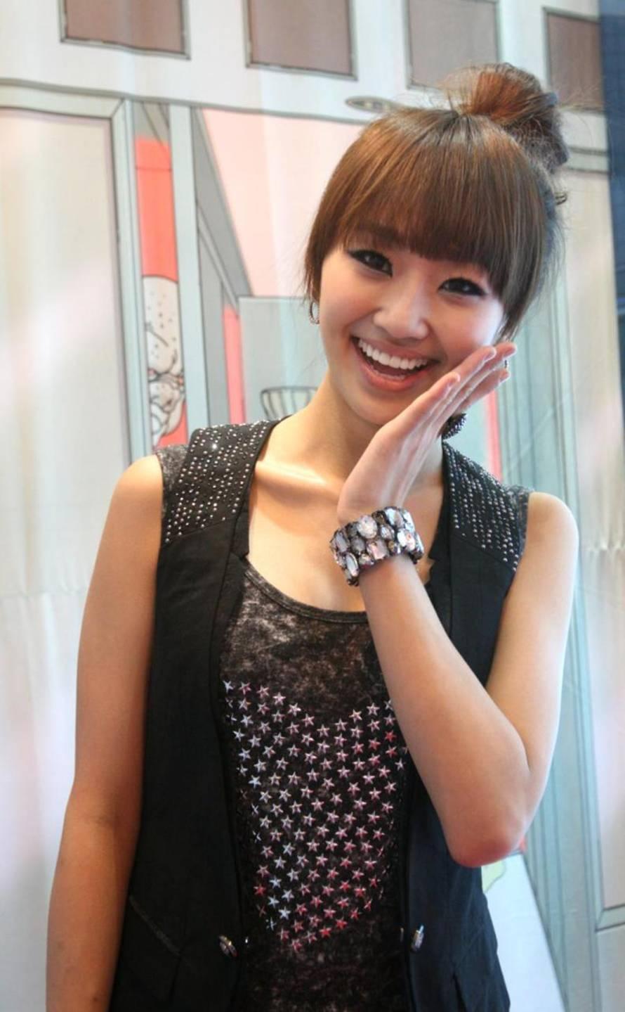 Korean Hairstyles - Hyorin ( SISTAR ) Korean Hairstyles ... Hyorin Sistar