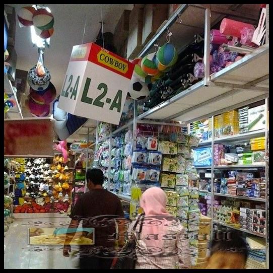 Jejalan Dan Bersoping Di Pasaraya Koboi
