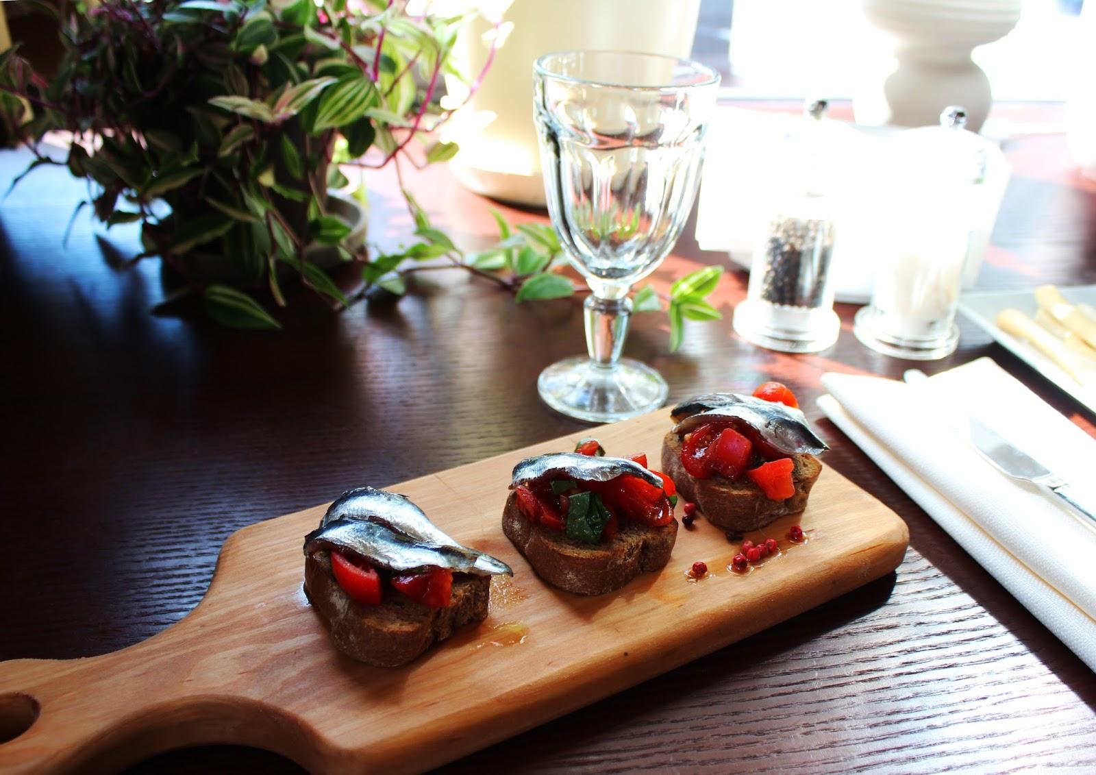 итальянский ресторан Trattoria ZUCCA, отзывы, киев, где вкусно поесть в Киеве, фуд блогер, брускетты с сардинами