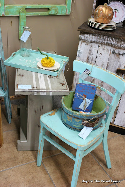 farmhouse, chair, aqua paint, turquoise, french linen, country chic, http://goo.gl/CJQLRN