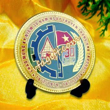 sản xuất quà tặng doanh nhân, kỷ niệm chương đồng