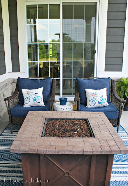 Gas firepit for patio