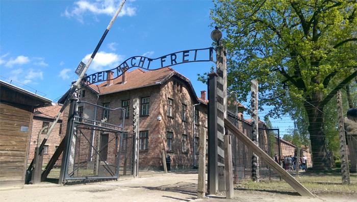 【踩點吧】回顧黑暗歷史.奧斯威辛集中營 Auschwitz-Birkenau|旅遊與他們的產地 - colatour可樂旅遊