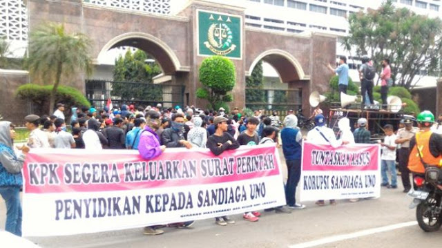 Massa Desak KPK dan Kejagung Usut Skandal Korupsi Sandiaga Uno