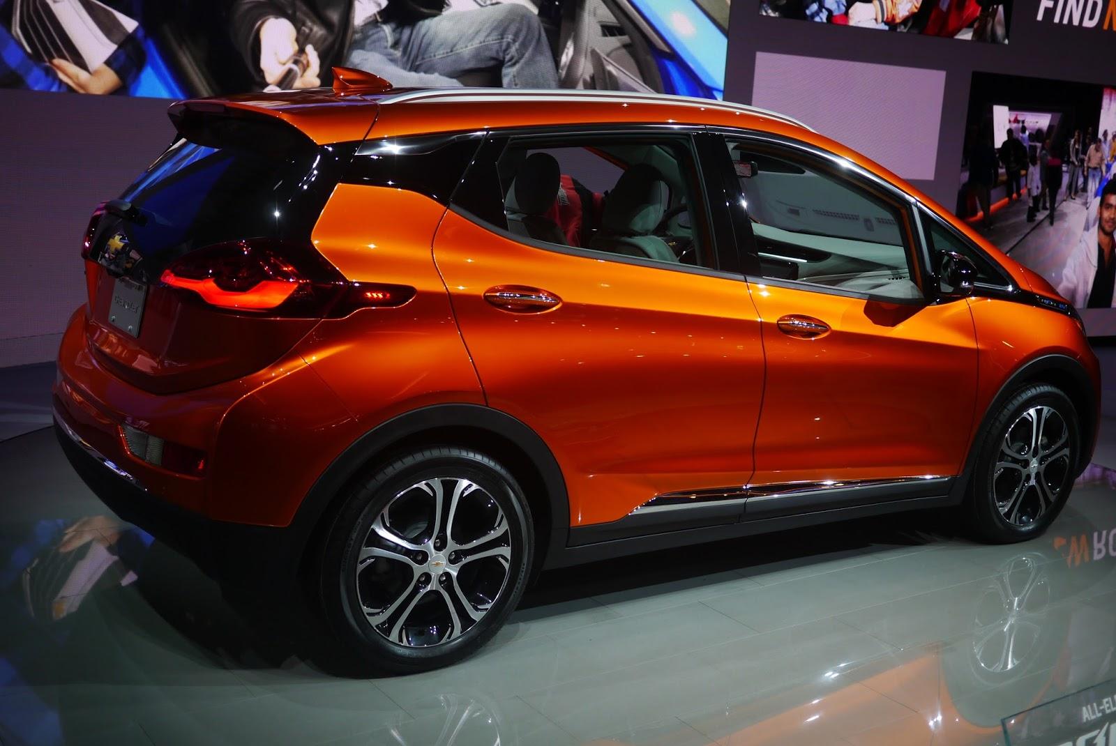4 New Chevy Cars On Display At Naias 2016