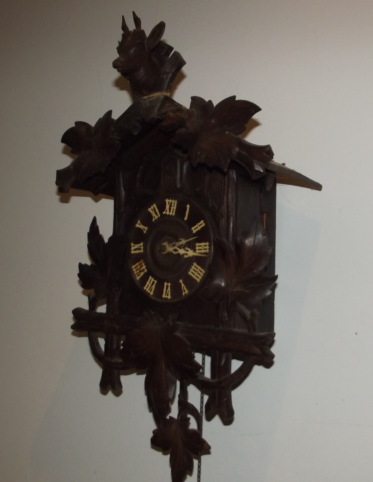 Antique cuckoo clock xith big black forest swiss german pendulum musical wall - Cuckoo clock pendulum ...
