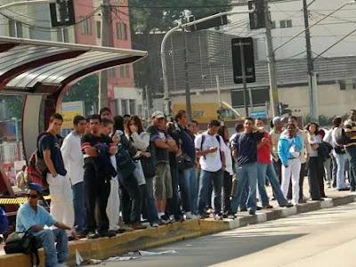 Veja cinco dicas de segurança que podem evitar assaltos em ônibus