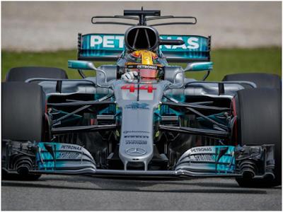 Lewis Hamilton Raih Pole Position di Qualifikasi F1 GP Sepang Malaysia, Sedangkan Sebastian Vettel Mengalami Insiden Kecil