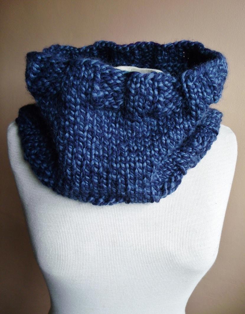 Nuckin' Futs Knitter: Easy One Skein Cowl