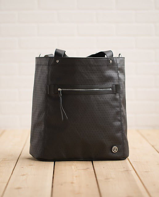 lululemon-out-and-about-tote