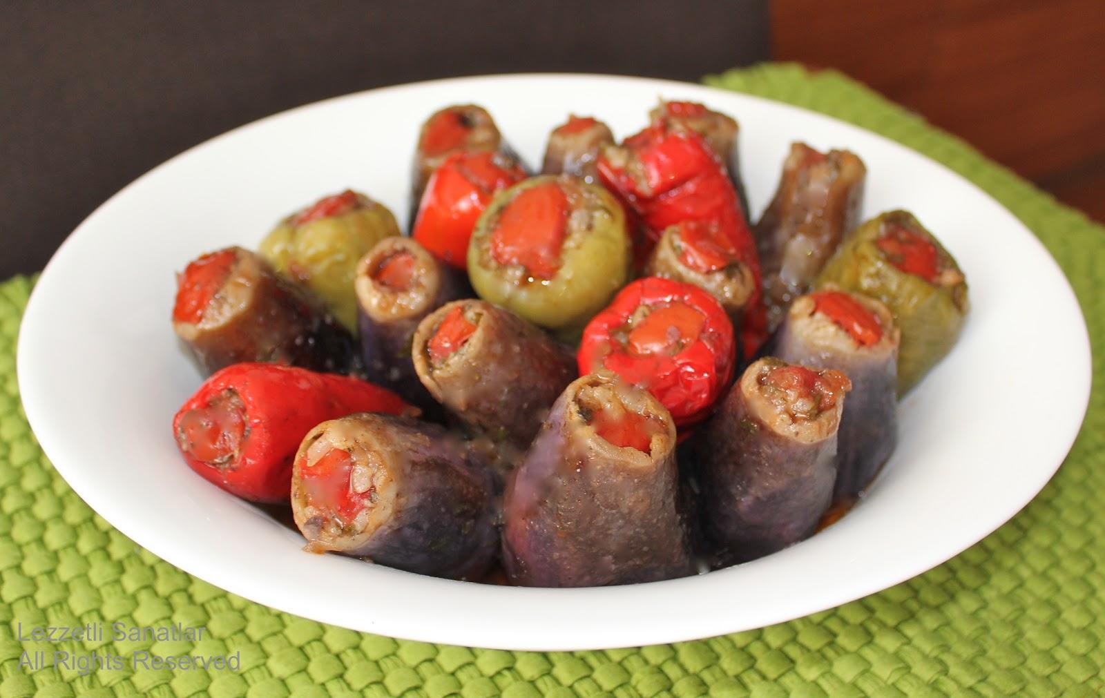 Leziz Zeytinyağlı Patlıcan Dolması