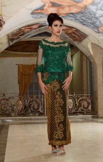 42 Contoh Warna Dan Model Kebaya Wisuda Favorit Mahasiswi