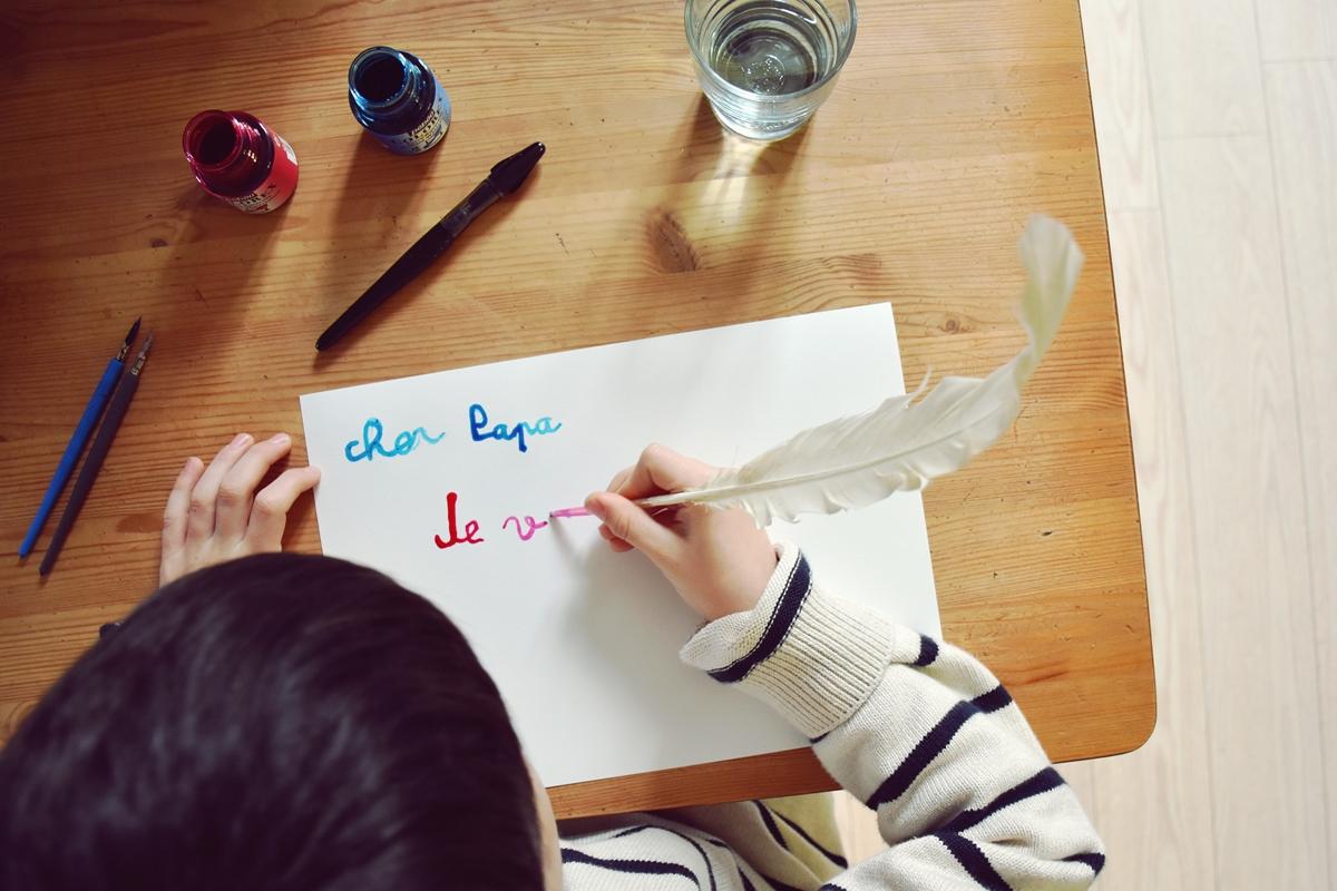 Merci Qui Merci Montessori Tenir Son Crayon