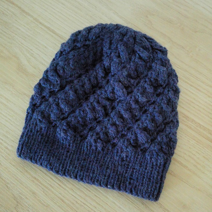 Bonnet tricot torsades - Hello c'est Marine - Chat tricote par ici