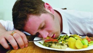 Makanan Penyebab Kantuk