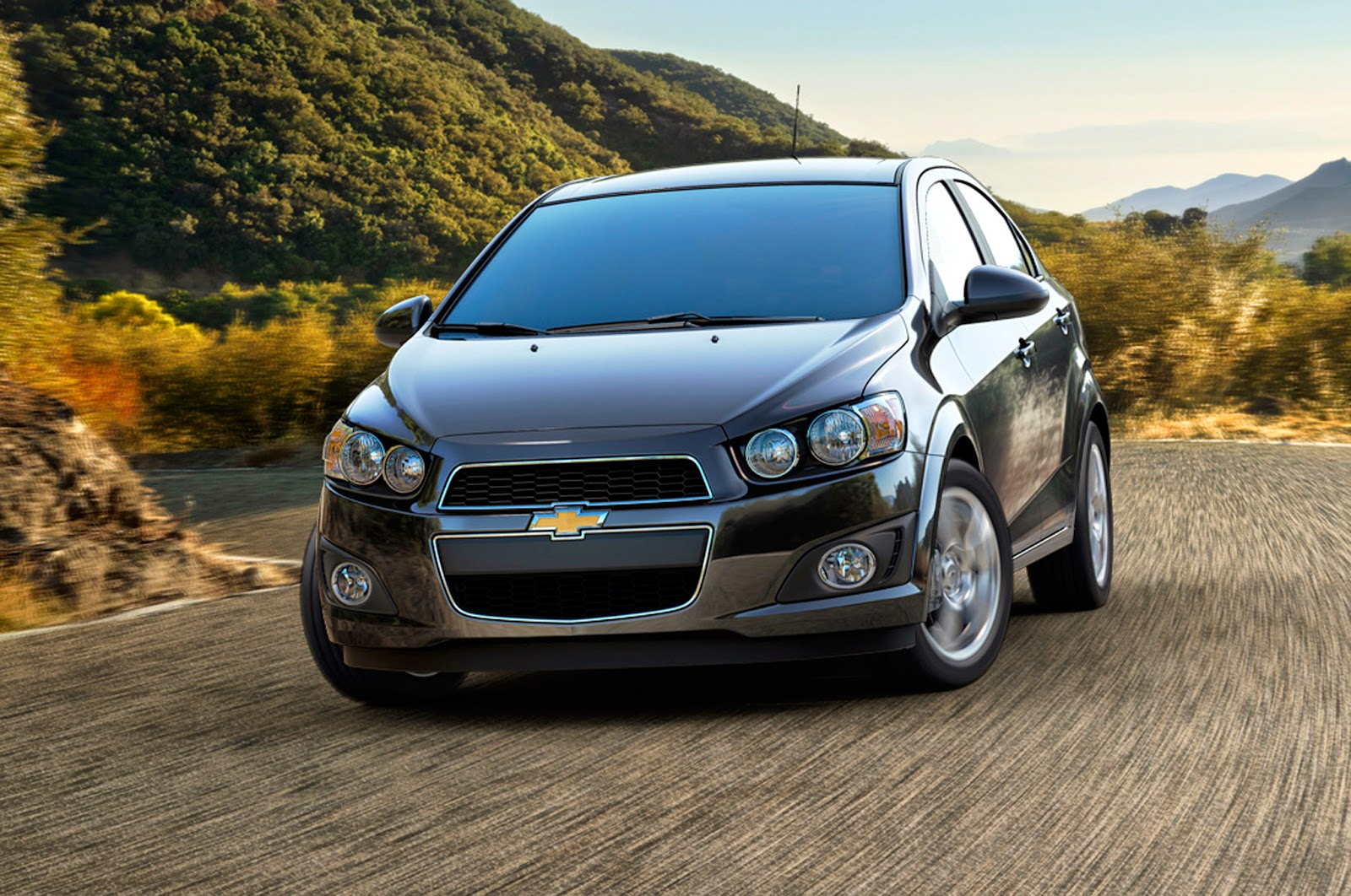 Jesslie 2014 Chevrolet Aveo Hatchback Difference With