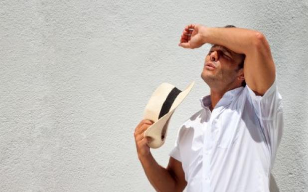 اعراض ضربة الشمس وعلاجها
