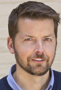 Brian Gallivan. Director of The McCarthys - Season 1