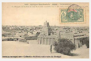 http://abovertest.over-blog.com/2015/07/anciennes-photographies-du-senegal-et-de-l-afrique-de-l-ouest.html