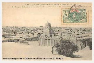 http://abovertest.over-blog.com/2015/07/anciennes-photographies-du-senegal-et-de-l-afrique-de-l-ouest.html