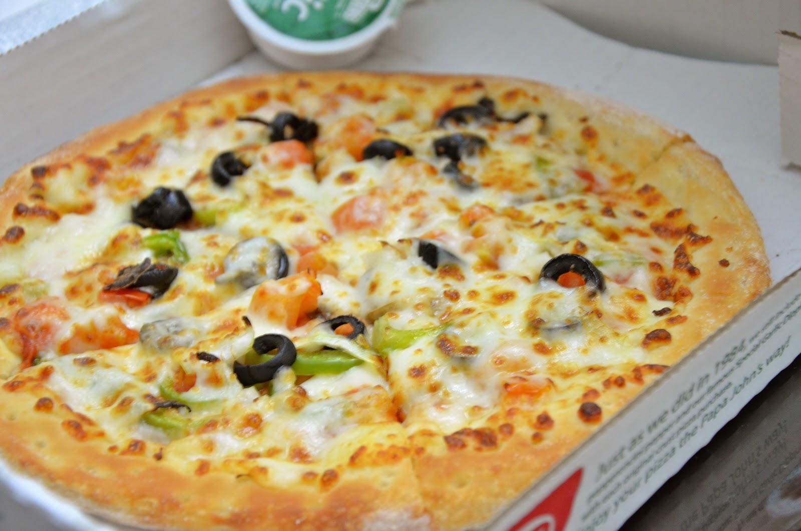 Living to eat papa johns pizza dhs 38 medium al - Papa john s pizza garden fresh pizza ...