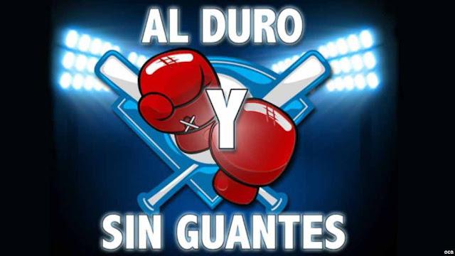 Los seguidores de Al duro y sin guantes criticaron a los actuales comentaristas anfitriones, Rodolfo García y Sergio Ortega, que no cumplen con el propósito del programa